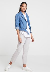 ONLY - ONLCHRISTA GERRICK JACKET - Veste en jean - medium blue denim - 1