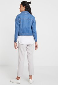 ONLY - ONLCHRISTA GERRICK JACKET - Veste en jean - medium blue denim - 2