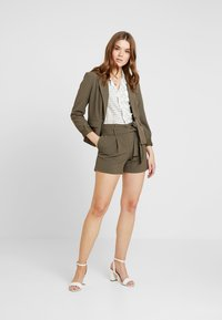ONLY - ONYTINI FITTED - Blazer - tarmac - 1
