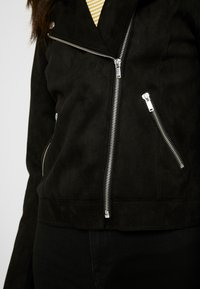 ONLY - ONLMAYO BIKER JACKET - Veste en similicuir - black - 5