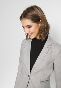 ONLY - ONLRITA - Blazer - light grey melange - 4