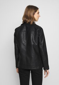ONLY - ONLBRITT LOOSE JACKET - Kunstlederjacke - black - 2