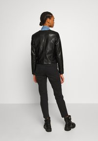 ONLY - ONLDALY JACKET - Giacca in similpelle - black - 2