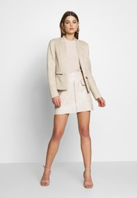 ONLY - ONLMADDY ICON SHORT - Blazer - stone - 1
