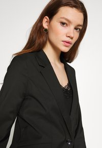 ONLY - ONLCAROLINA CHECK - Blazer - black