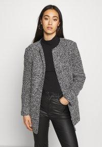 ONLY - ONLAPPLE CRISPY - Krátký kabát - black - 0