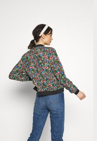 ONLY - ONLFLORAL JACKET - Bombejakke - night sky - 2