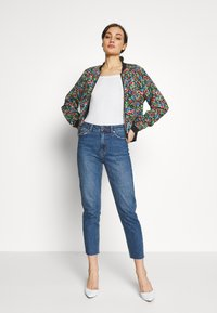 ONLY - ONLFLORAL JACKET - Bombejakke - night sky - 1