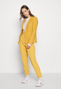 ONLY - ONLNICO LELY  - Blazer - spruce yellow - 1