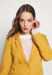ONLY - ONLNICO LELY  - Blazer - spruce yellow - 3