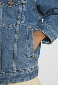 ONLY - ONLCALLIE LIFE JACKET  - Denim jacket - medium blue denim - 5