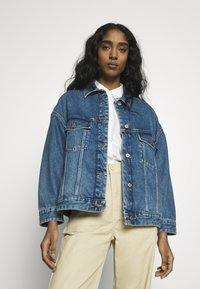 ONLY - ONLCALLIE LIFE JACKET  - Denim jacket - medium blue denim - 0