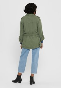 ONLY - ONLKENYA LIFE UTILITY JACKET - Short coat - khaki - 2