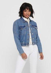 ONLY - JEANSJACKE CROPPED - Denim jacket - medium blue denim - 0