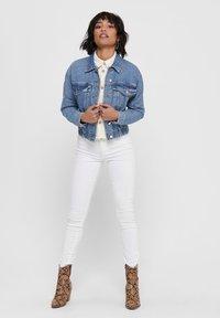 ONLY - JEANSJACKE CROPPED - Denim jacket - medium blue denim - 1