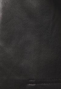 ONLY - ONLDAISY BOLERO - Jacka i konstläder - black - 3