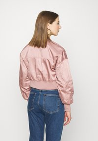 ONLY - ONLJACKIE CROPPED JACKET  - Chaquetas bomber - adobe rose - 2