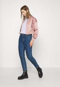 ONLY - ONLJACKIE CROPPED JACKET  - Chaquetas bomber - adobe rose - 1