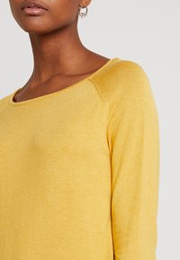 ONLY - ONLMILA LACY LONG - Sweter - yolk yellow - 5
