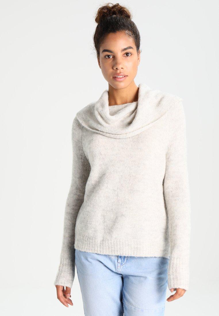 ONLY - ONLBERGEN OFF SHOULDER  - Strickpullover - white