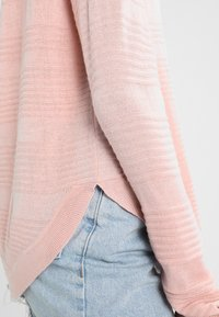 ONLY - ONLCAVIAR  - Maglione - misty rose - 5