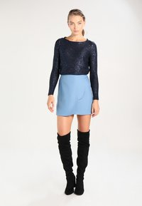 ONLY - ONLADELE  - Jumper - sky captain/matching sequins - 1