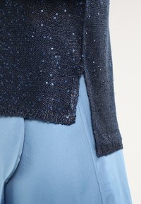 ONLY - ONLADELE  - Jumper - sky captain/matching sequins - 4