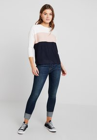 ONLY - ONLREGITZE - Jumper - cloud dancer/cameo rose/sky capt - 2