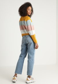 ONLY - ONLMALONE STRIPE - Strikkegenser - golden yellow/ether/misty rose - 2