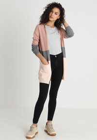 ONLY - ONLQUEEN - Gilet - misty rose/mottled grey melange/cloud pink melange - 1