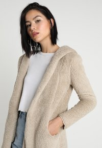 ONLY - ONLNEW CONTACT HOODED - Winterjacke - pure cashmere - 4