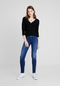 ONLY - ONLIZA V NECK - Trui - black - 1