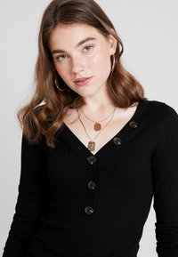 ONLY - ONLIZA V NECK - Trui - black - 3
