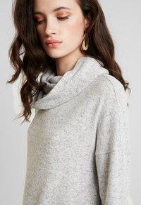 ONLY - ONLKLEO ROLLNECK - Pullover - light grey melange/ black melange - 4