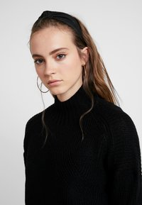 ONLY - ONLAVA HIGHNECK - Pullover - black - 4