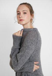 ONLY - ONLLIVA ROLLEDGE - Pullover - medium grey melange - 4