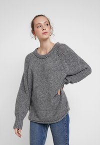 ONLY - ONLLIVA ROLLEDGE - Pullover - medium grey melange - 0