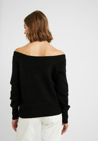 ONLY - ONLNANNA OFF SHOULDER - Trui - black - 2