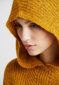 ONLY - ONLHENBANE HOOD - Hoodie - golden glow/melange - 5
