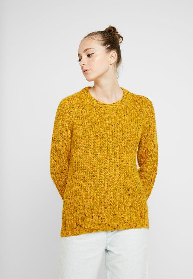 ONLHANNI O NECK - Jersey de punto - golden yellow/multi color
