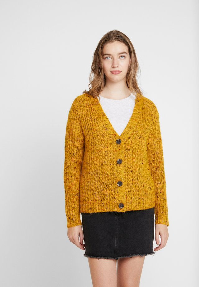 ONLHANNI BUTTON V-NECK CARDIGAN - Chaqueta de punto - golden yellow/multicolor naps