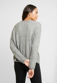 ONLY - ONLMIRNA STRIPE - Pullover - medium grey - 2
