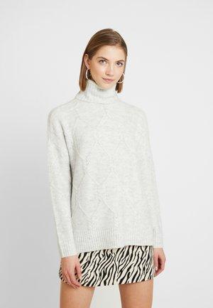 ONLLINELLA HIGHNECK - Stickad tröja - white
