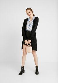 ONLY - ONLASTER LONG CARDIGAN - Gilet - black - 1