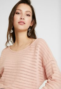 ONLY - ONLASTER ELCOS - Trui - misty rose - 4