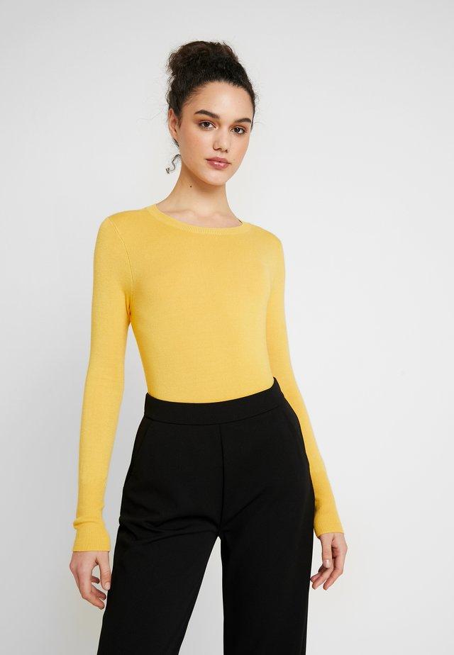 ONLVENICE O-NECK - Jersey de punto - yolk yellow