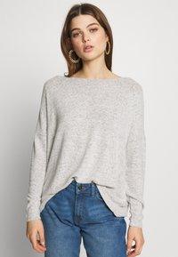ONLY - ONLMAYE O-NECK - Jersey de punto - light grey melange/black melange - 0
