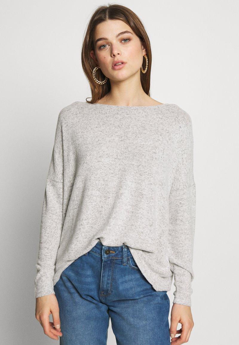 ONLY - ONLMAYE O-NECK - Jersey de punto - light grey melange/black melange