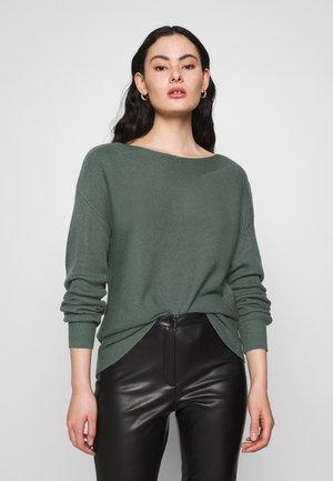 ONLCLARA BOATNECK - Sweter - balsam green