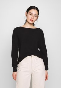 ONLY - ONLCLARA BOATNECK - Strikkegenser - black - 0